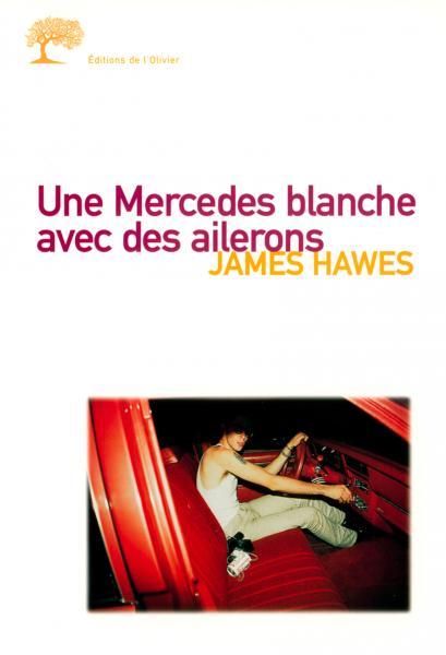 Une Mercedes blanche avec des ailerons